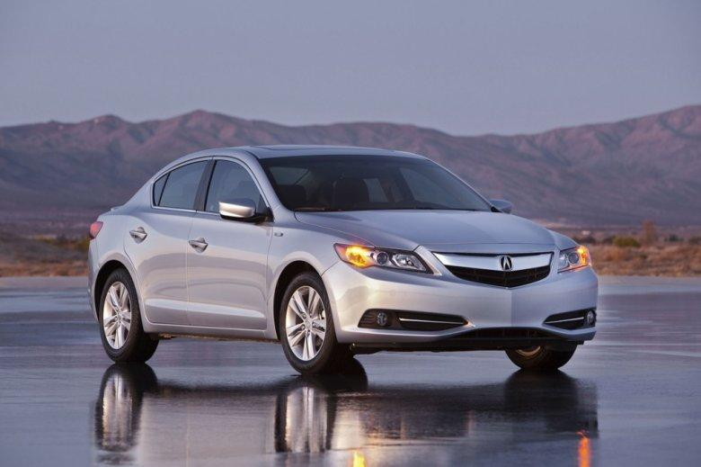 Front Right 2013 Acura ILX Car Picture