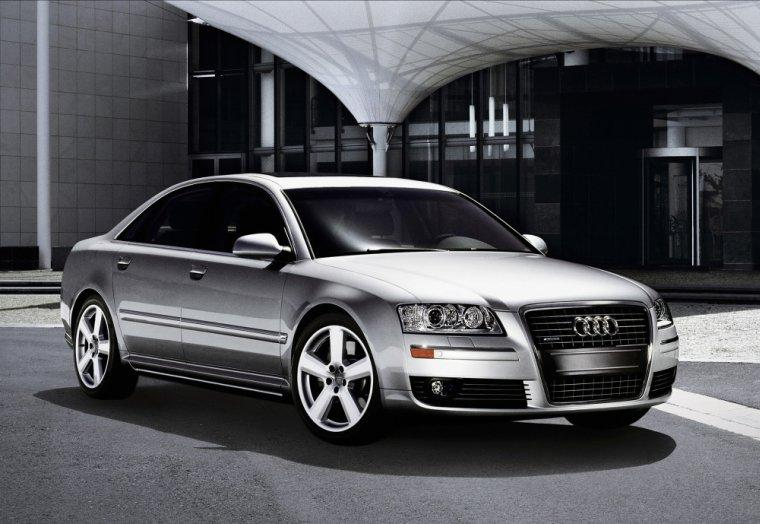Front Right 2007 Audi A8L Car Picture