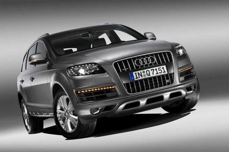 Front View 2010 Audi Q7 Car Picture