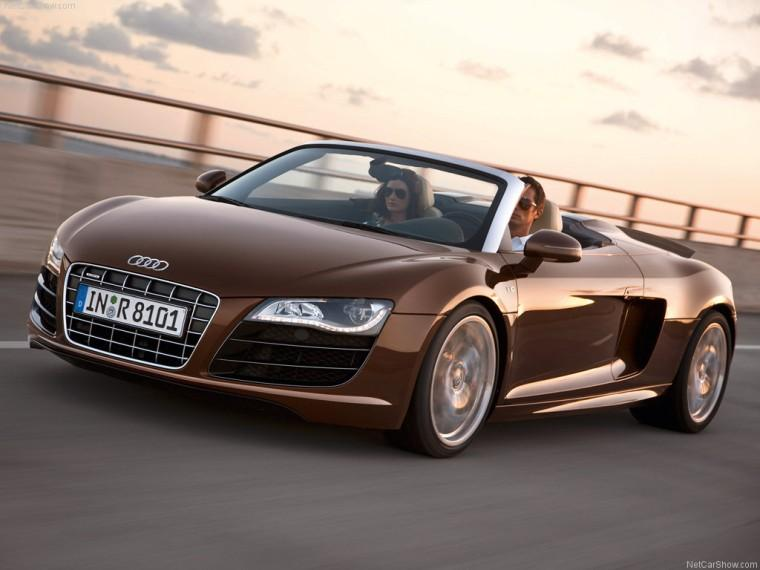 Front Right 2011 Audi R8 Spyder Quattro Car Picture