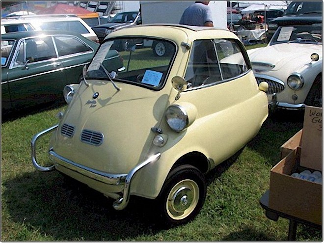 Front Left 1958 BMW Isetta Car Picture