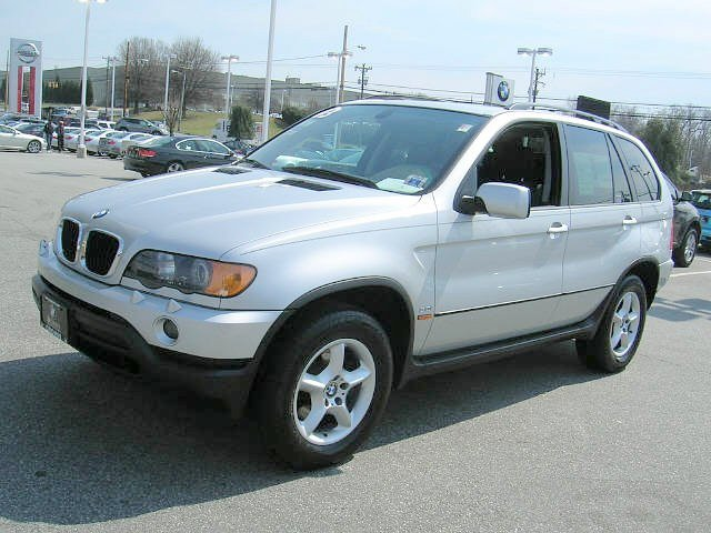 Front Left 2006 BMW X5 SUV Picture