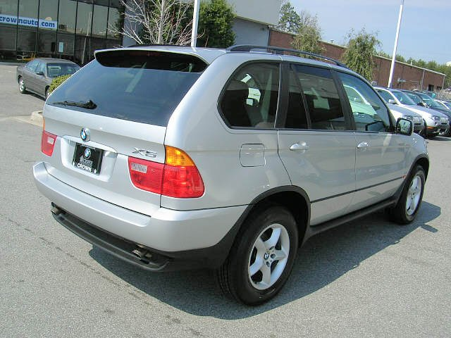 Rear Right 2006 BMW X5 SUV Picture