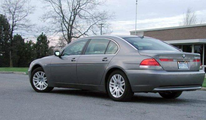 2004 BMW 745i Car Picture