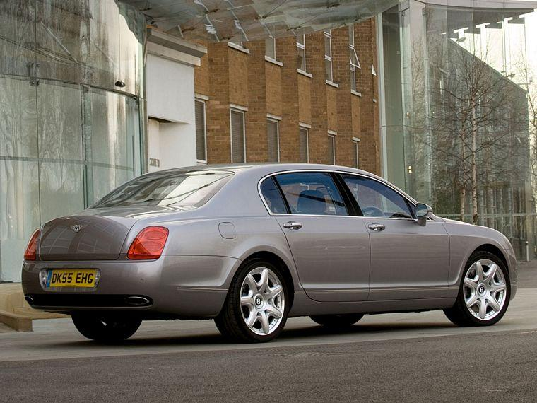 Rear right 2007 Bentley Flying Spur Car Picture