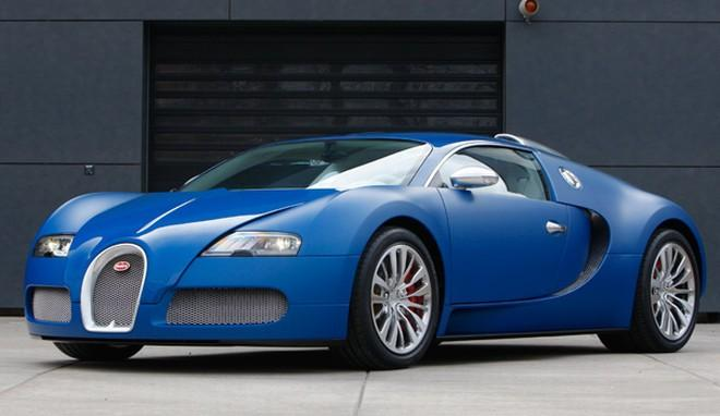 Front left blue Bugarri Veyron Centenaire Car Picture