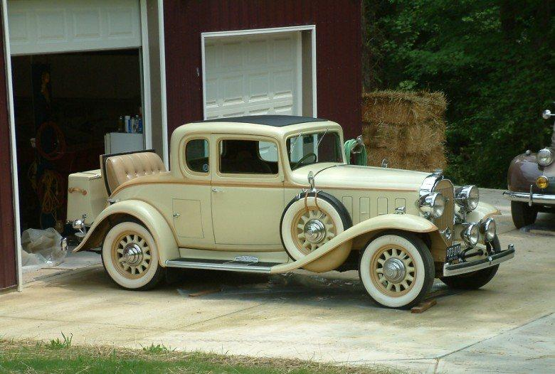 Front Right 1932 Buick Series 60 Car Picture