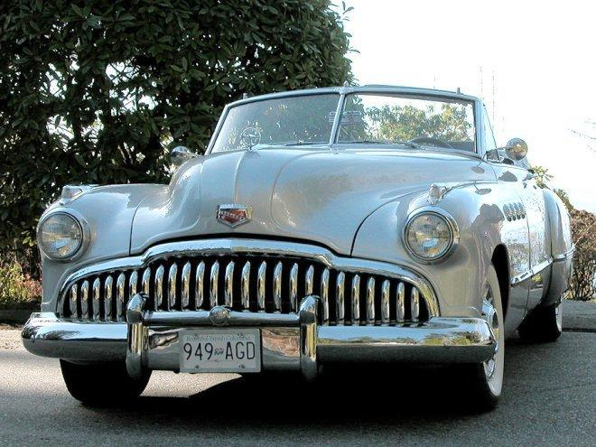 Front view cream colored 1949 Buick Roadmaster Car Picture