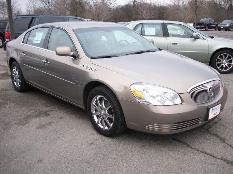 Front Right 2007 Buick Lucerne CXL Car Picture