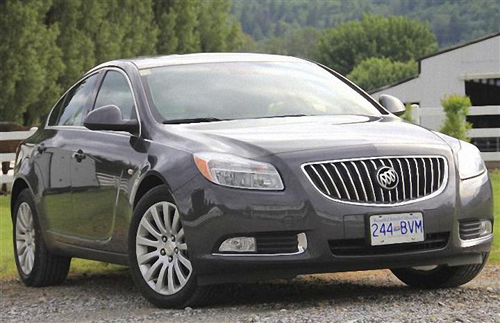 Front Right 2011 Buick Regal Car Picture