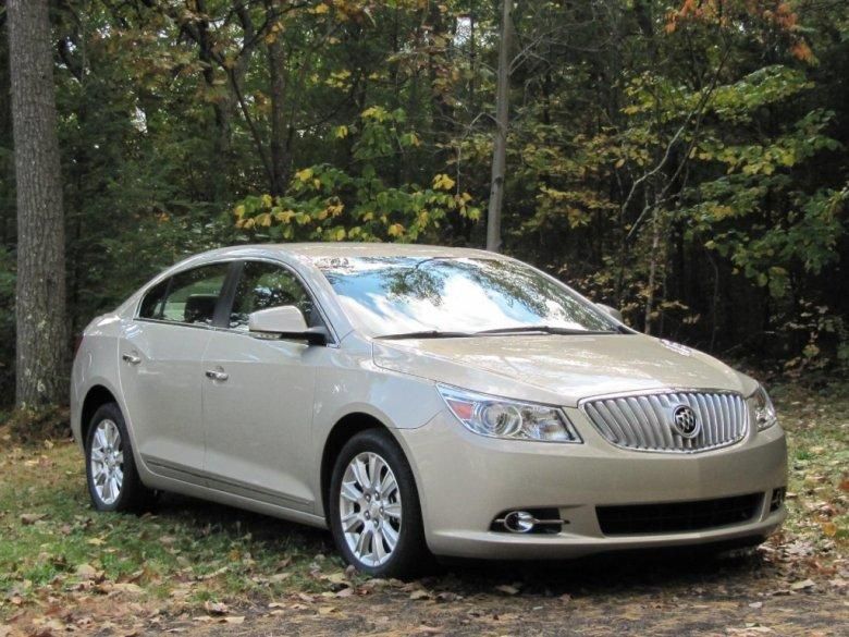Front Right 2012 Buick Lacrosse Car Picture