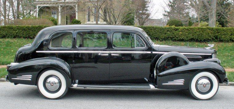 Right Side 1938 Cadillac 90 Car Picture