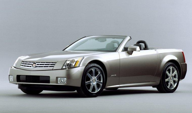 2004 Cadillac XLR Car Picture
