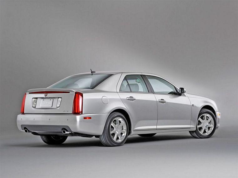 2005 Cadillac STS Car Picture