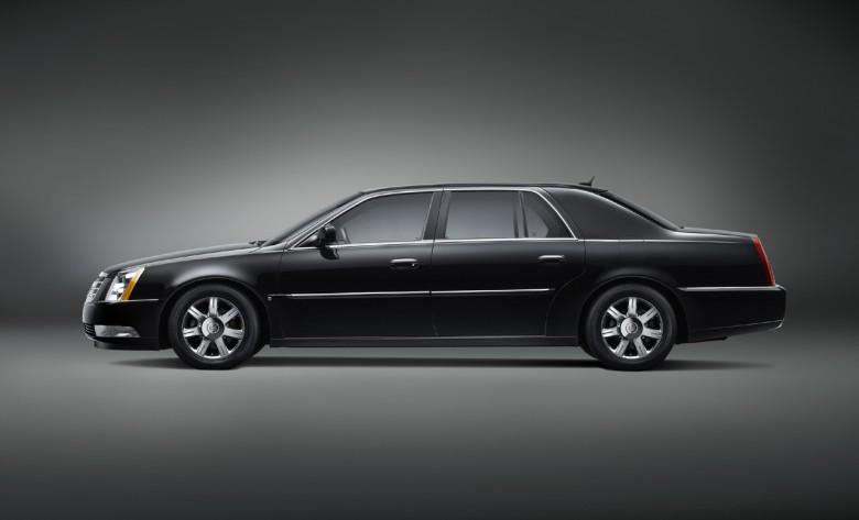 2008 Cadillac DTS-L Car Picture