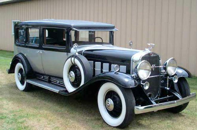 Front Right 1930 Cadillac Imperial Sedan Car Picture