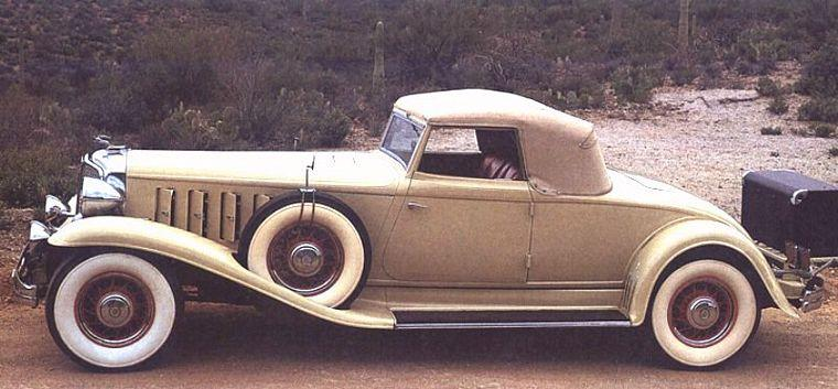 1932 Chrysler Custom Imperial CV Car Picture