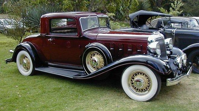 Front Right Burgandy 1933 Chrysler Imperial Coupe Car Picture