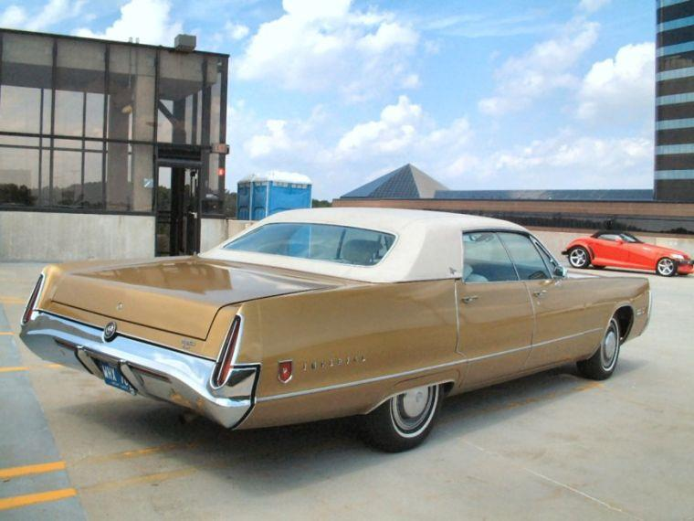 Rear Right 1971 Chrysler Imperial LeBaron Car Picture