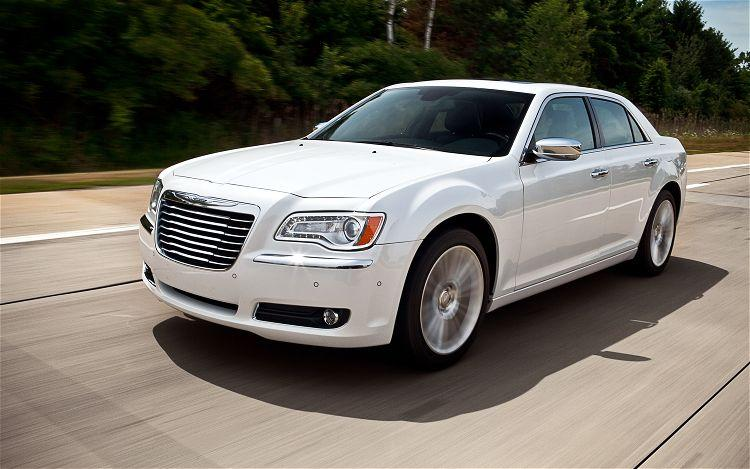Front Left 2011 Chrysler 300 Limited Car Picture