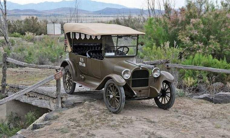 Front Right 1918 Dodge Army Staff Car Picture