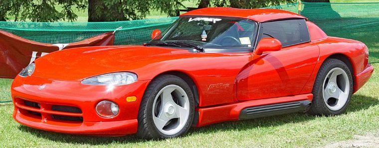 Front Left Red 1995 Dodge Viper Car Picture