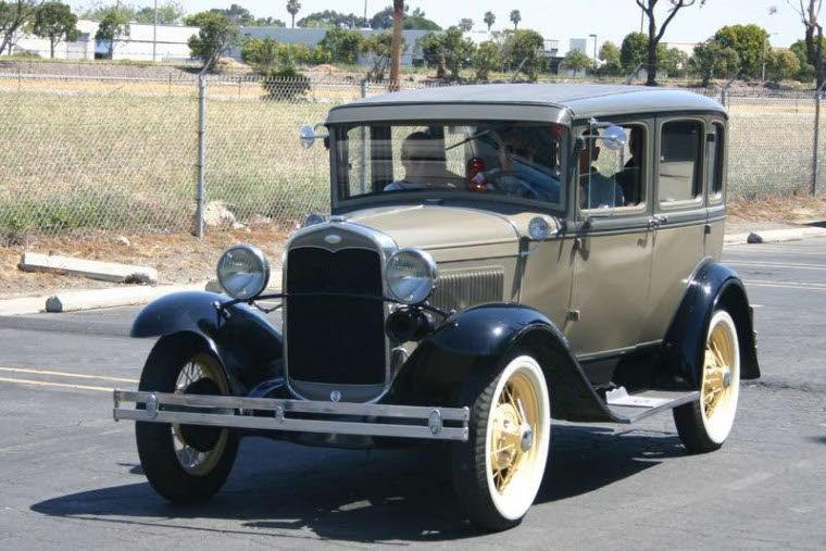 Front Left 1930 Ford Model A Car Picture