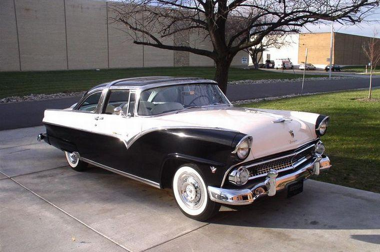 Front Right Black and White 1955 Ford Crown Victoria Car Picture