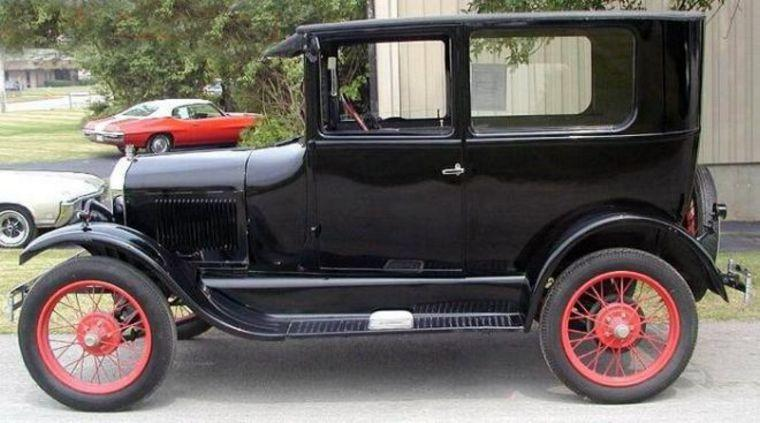 1926 Ford Model T Tudor Car Picture