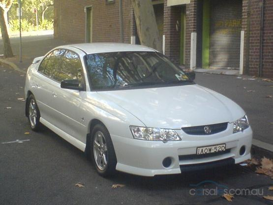 Front Right White 2003 Holden Commodore VY Car Picture
