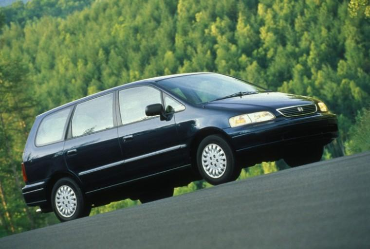 Front Right Black 1995 Honda Odyssey Minivan Picture