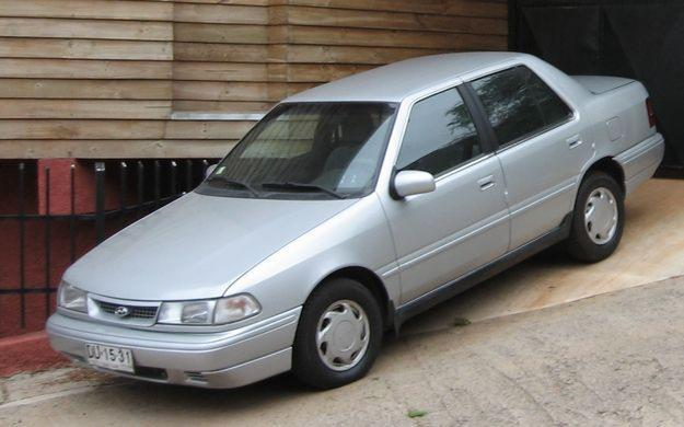 Front Left Silver 1988 Hyundai Excel Car Picture