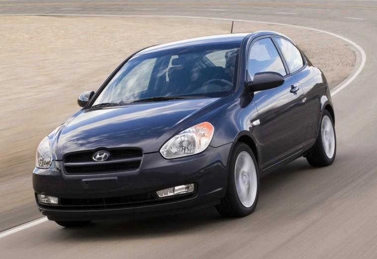Front Left 2008 Hyundai Accent Car Picture