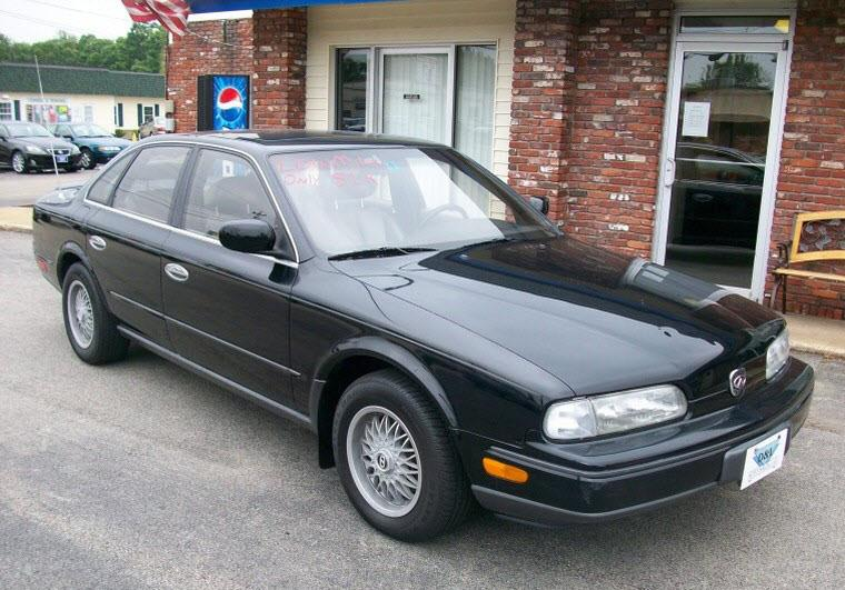 Front Right Black 1991 Infiniti Q45 Car Picture