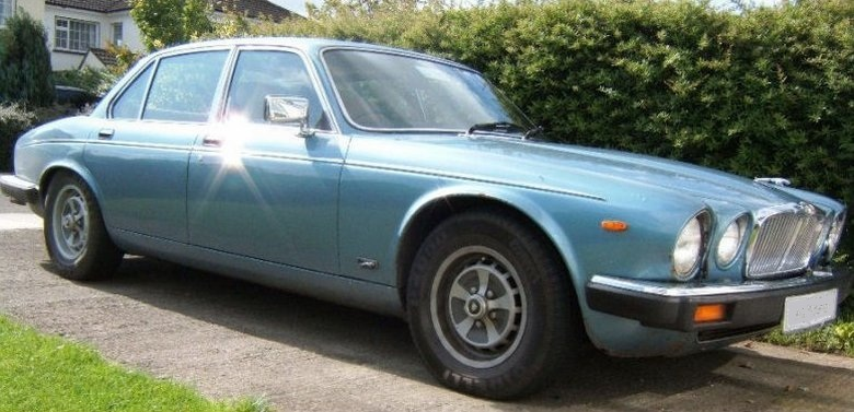 1982 Jaguar XJ12 Car Picture | Old Car and New Car Pictures