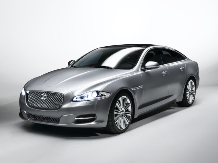 Front Left 2010 Jaguar XJ Car Picture