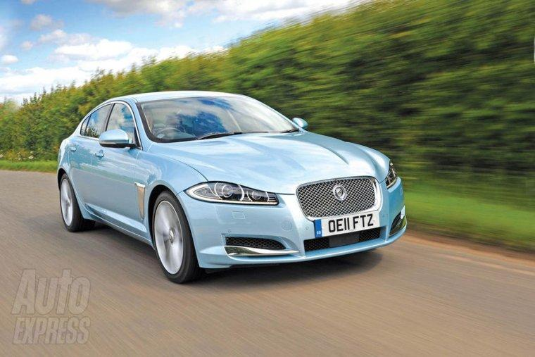Front Right 2012 Jaguar XF-2 Car Picture