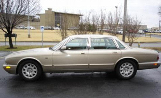 1998 Jaguar XJ8 Car Picture