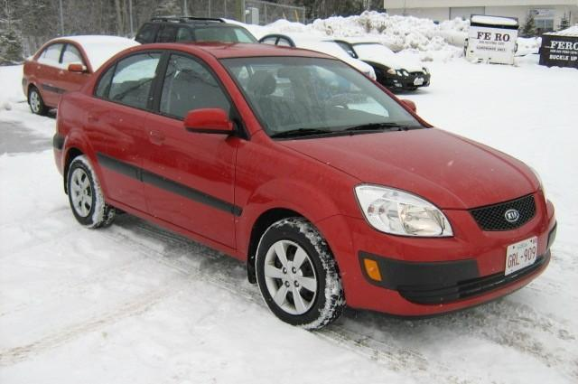 Front Right Red 2008 Kia Rio Car Picture