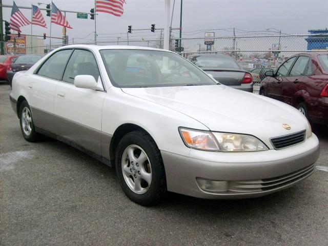 1997 Lexus ES300 Car Picture