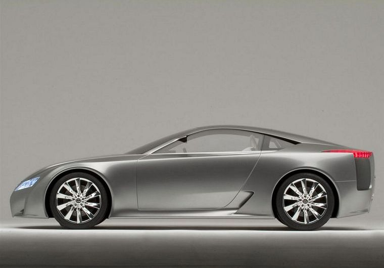 Presents a left side 2005 Lexus LF-A Concept Car Picture