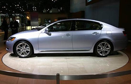 Left Side Silver Lexus GS450h Hybrid Car Picture