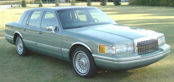 1994 Lincoln Town Car Picture