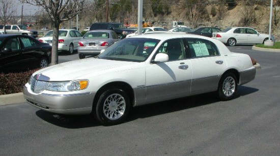 2000 Lincoln Continental Car Picture