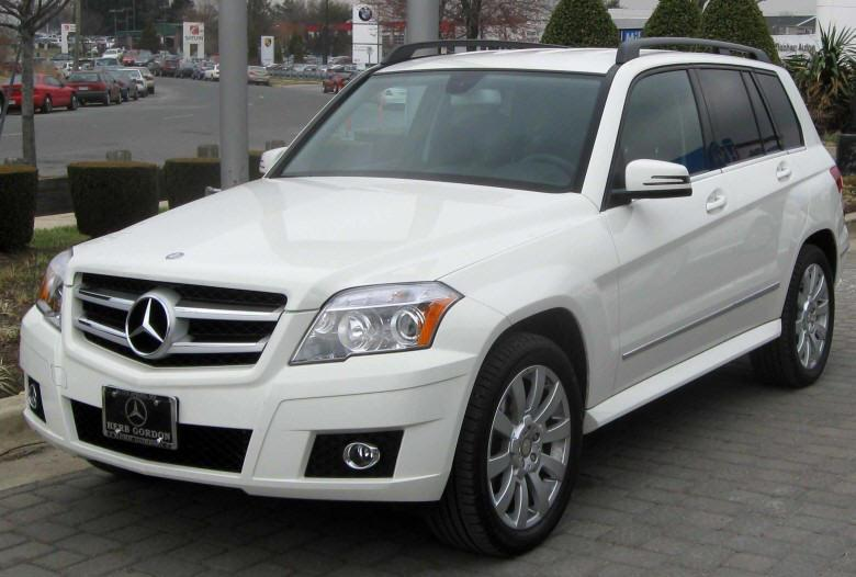 Front Left White 2010 Mercedes-Benz GLK SUV Picture