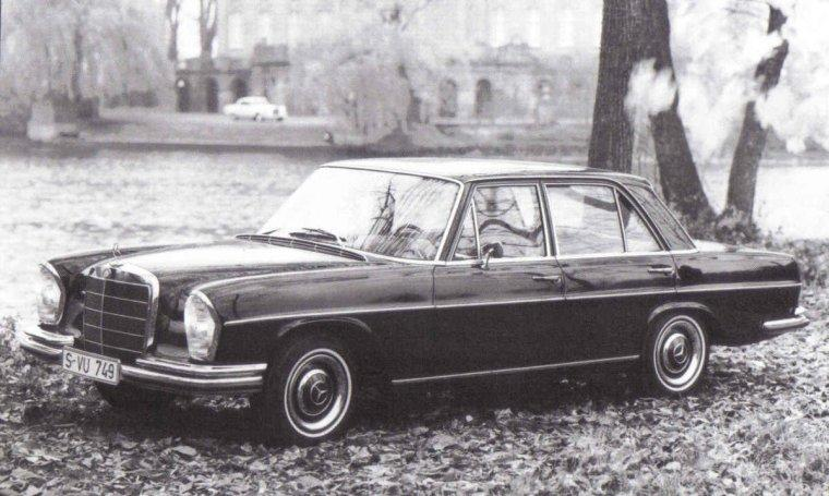 Front left Black 1967 Mercedes-benz 300SE Car Picture