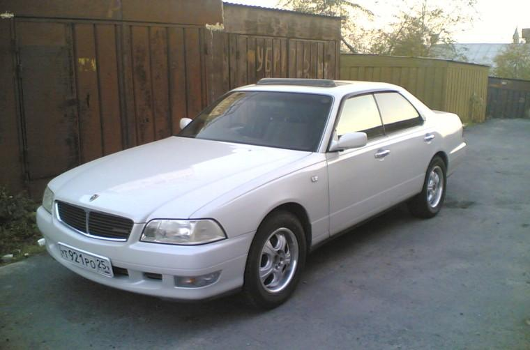 Front Left White 1998 Nissan Cedric Car Picture
