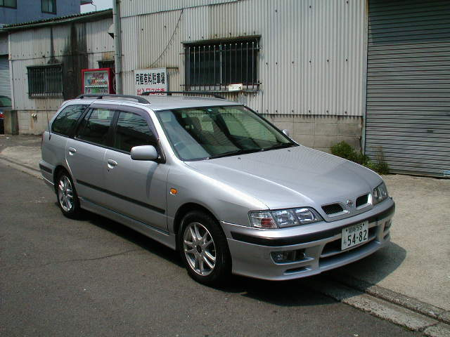 Front Right Silver 1998 Nissan Primera Camino Wagon Picture