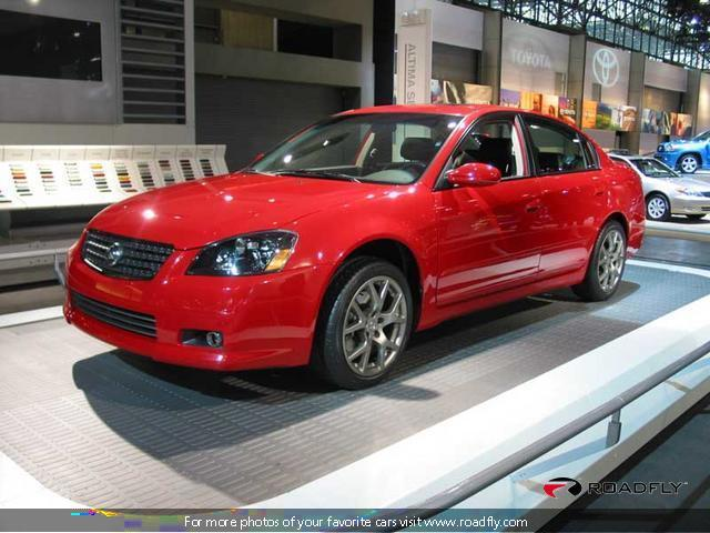 2005 Nissan Altima SE-R Car Picture