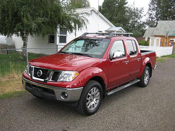 Front left 2009 Nissan Frontier Truck Picture
